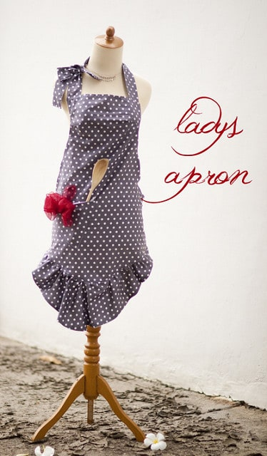 DIY Lady's Apron